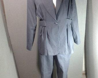 VINTAGE suit, Black suit, Ladies Suit, Plus Size suit,  Bentley, Business wear, size 13/14