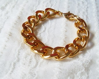 Chunky Bracelet. A Chunky Gold Chain Bracelet. Cool and Chic.