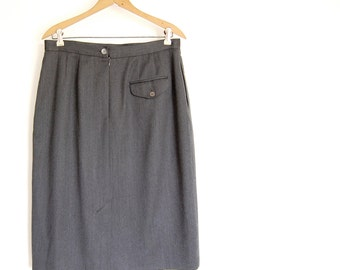 "classic vintage Wool Skirt / finely woven charcoal grey / tabbed back pocket / front pleats / High Waist / 31.5"" waist / l xl"