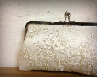 Lace Pearl Bridal Clutch, Ivory Bridal Clutch, Beaded Clutch, Formal Purse, White clutch, Lace Wedding {Tru Luv's Lace & Pearl Kisslock}