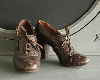 Vintage Faux Alligator Leather Womens Oxford Shoes