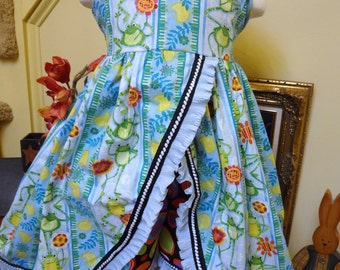 Happy Frogs . Size 5 . 2 piece Girl's Ruffled Knotted DRESS n SHORTS . sewn by me