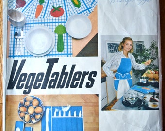 1970's Vogue VegeTabler Apron and Craft (Potholder, placemats and more) - no. 1892