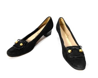 vintage 1990's FERRAGAMO suede heels / Salvatore Ferragamo / black / women's vintage heels / size 8.5