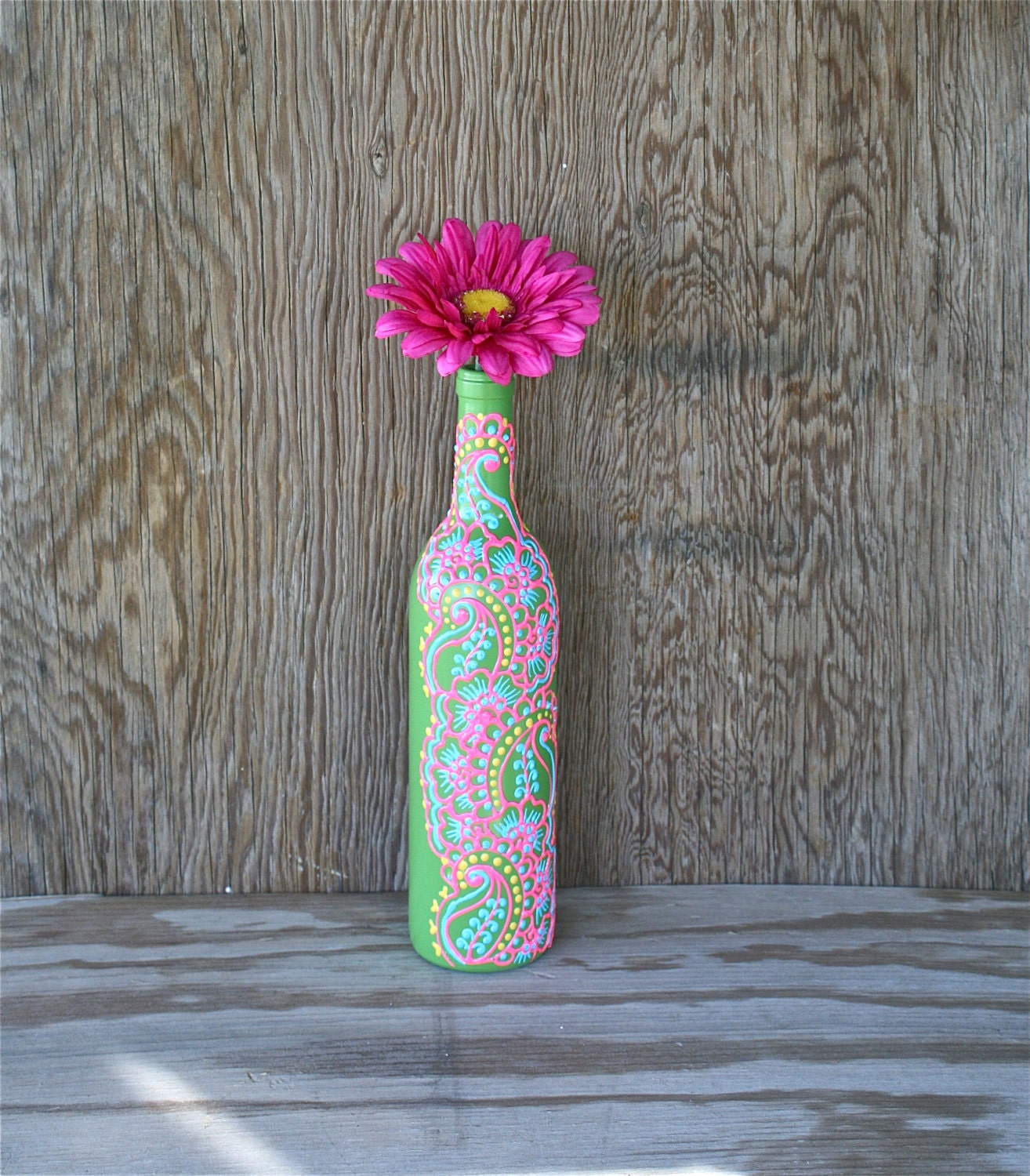 Hand painted wine bottle vase candy apple green with pink for Hand painted bottles