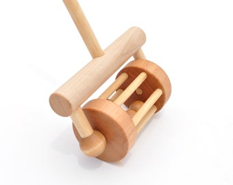 Wooden Push Toy - Push and Pull Rattle - Wood Toy for Toddlers - Gift for a Boy or a Girl - Montessori Inspired Toy