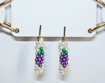 VINTAGE Glass Seed Pearl Beaded Dangle Earrings With Grape Design