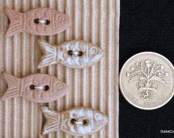 5 Terracotta Fish Buttons