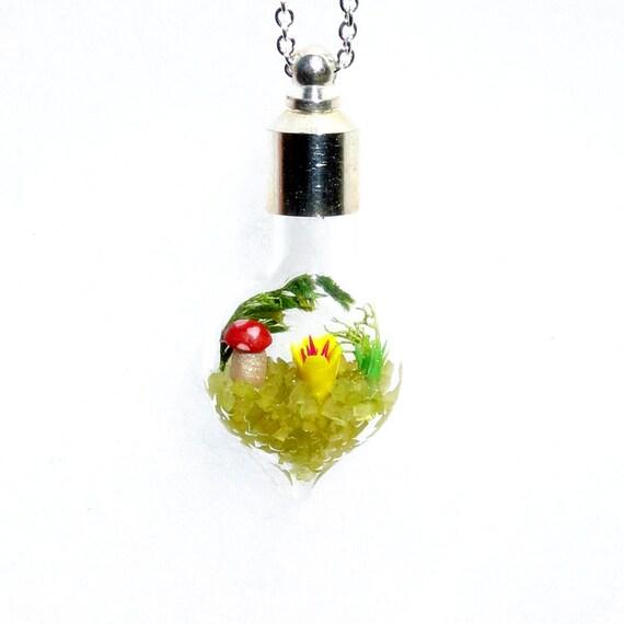 Garden Jewelry, Miniature World, Glass Pendant Necklace, Miniature Fairy Garden, Terrarium Pendant Necklace, Glass Jewelry