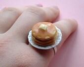 Stacked Pancake Ring w/syrup