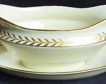 Syracuse China Jefferson Gravy Boat & Attached Underplate Laurel Border 24k Gold Vintage Kitchen 1940s 1950s