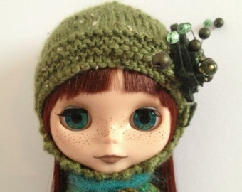 PDF knitting pattern - Helmet for Blythe and Middie Blythe.