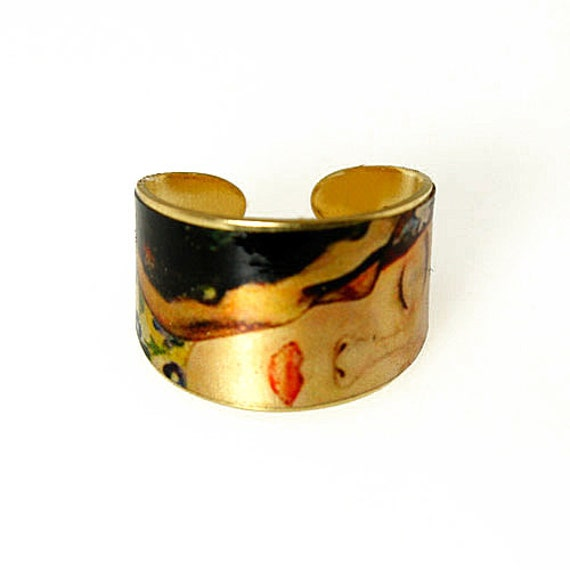 Photo Ring, Brass Ring, Altered Art Jewelry, Photo Jewelry, Tapered Ring - Sealed in Resin - GUSTAV KLIMT The Kiss Closeup
