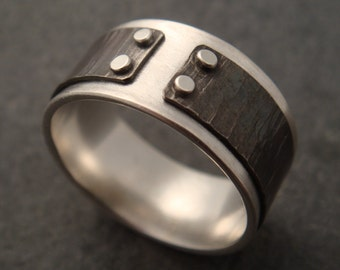 Mind The Gap Ring with Hammered Lines