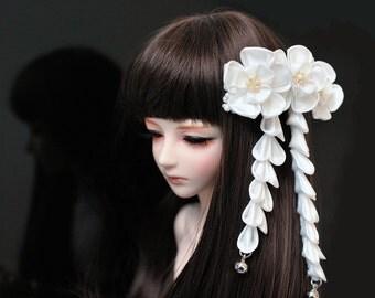 Snow White Flower Clip for BJD dolls. Hana Kanzashi.  Mini Flower Hair Clip for 1:3, 1-4, 1-6, or 1-8th size dolls. Made to order.