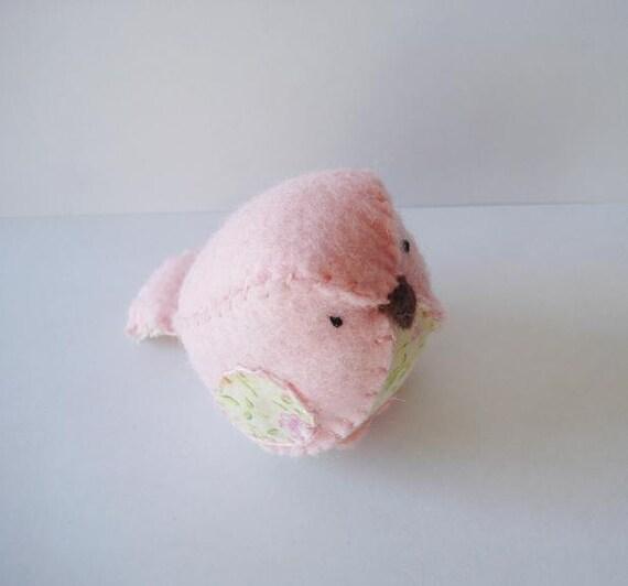 ON HOLD - Small pink felt bird - Peony