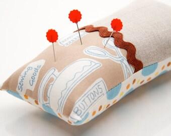 Linen Pincushion, Kawaii Pincushion with Japanese Fabric and Polka Dots, Cute Crafting Supply, Japanese Zakka Pin Holder, Sewing Notions