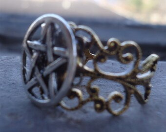 Wicca Pentagram Ring - Wiccan Five Point Star - Silver-Tone Adjustable