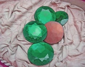 EMERALD Green RHINESTONE Jewels (2) Vintage Large Glass 28mm Unusually Thin Gold Foil Back jc wafeg MORE AVAlLABLE
