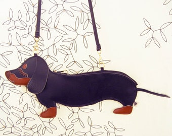 Large Teriyaki the Dachshund Dog Cute Vintage Inspired Brown Vinyl Side Strap Clutch Purse Bag