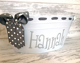 custom personalized oval ribbon tub with handles in white