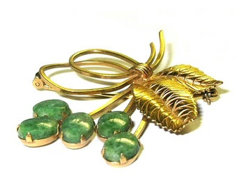 Vintage Winard 12 KGF Brooch With Prong Set Jade Stone Flowers ca 1950s