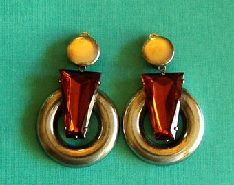 SALE Vintage 1980's London, Earrings,  FREE Domestic Shipping