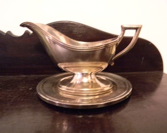 Silverplate Gravy Boat with Underplate . Great Deco Look