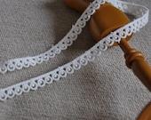3Ys+  9mm ZAKKA Eyelet Embroidery Lace SR01