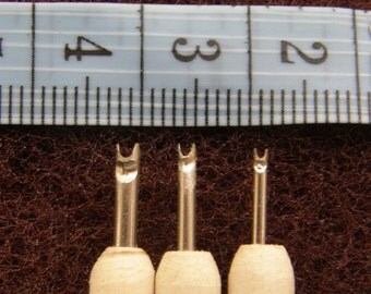 Set of 3 tools  for  creating tiny scales