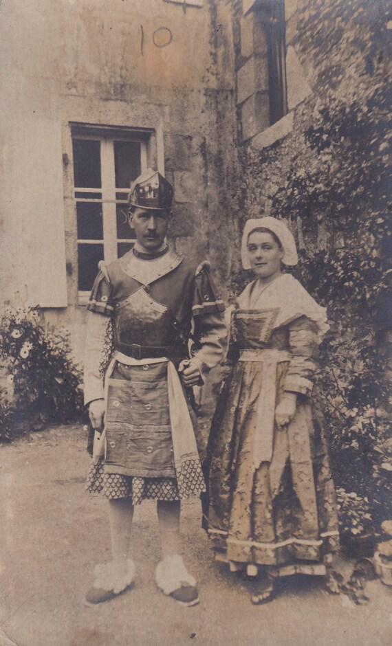 Vintage 1920 / 1930 Français couple carte postale / costumes /carnival
