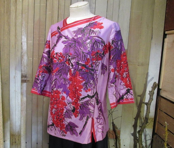 Vintage Vera Blouse 60s Purple grapes Napa wine magenta modern print shirt  S M