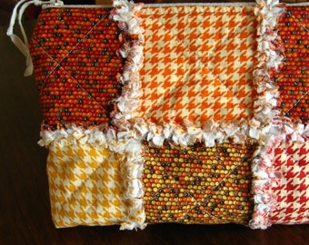 Small rag quilted bag for fall with zipper