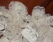 Bébé qui dort Sha Bebe. Poupée de chiffon Sha Bebe originale faite par l'artiste Cajun, Mary Lynn Plaisance en Louisiane. Art doll collectibles.
