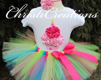 Baby Girl 1st Birthday Tutu Outfit - 3D Cupcake - Personalized - Photo Prop