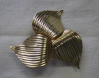 Vintage Huge Sarah Coventry Trillium Brooch