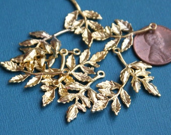 10 pcs of gold plated five leaves pendant 17x28mm