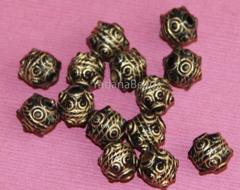 100 pcs of  Acrylic nugget beads 9x10mm Black with gold accent
