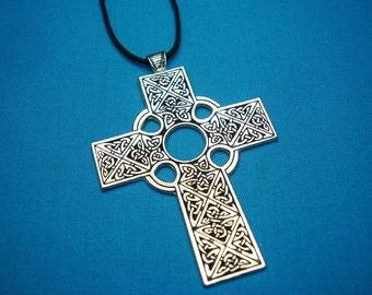 Large Traditional Celtic Cross, handmade in Silver Pewter STK053