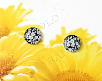 Sale - 10pcs handmade small black and white flowers clear glass dome cabochons 12mm (12-9711)