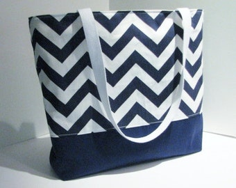 Set of 6 Chevron Tote Bags  . Navy Blue and White . Chevron Beach Bag . great bridesmaid gifts . Monogramming Available