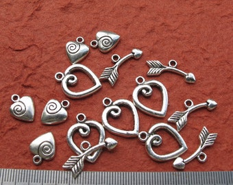 Antiqued Silver Metal 20mm x 16mm Heart Toggle Clasp with Arrow Toggle Bar and Heart Charm, Set of 5, 1044-40