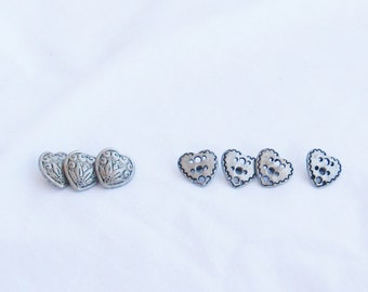 Buttons, hearts, 2 designs, 7 buttons, loop shank, C, destash
