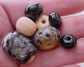 SALE. Snake Skin Scales of Black n Gray.  Handmade Lampwork Glass Bead Set. Jewelry Supply. LWS-33