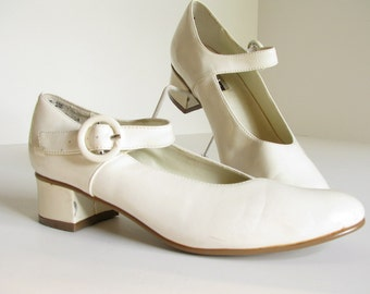 Girls' Ivory Patent Leather Vintage Mary Janes, Hush Puppies Shoes, Size 3 M