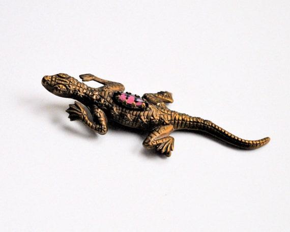 lizard gem brooch pin vintage brass with purple stone mid century