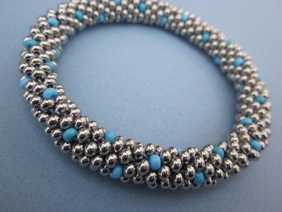 turquoise and baby blue dot bangle bead crochet bracelet - plus free bead crochet tutorial