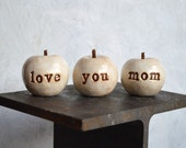 Gifts for mom / Mother's Day gift for her / 3 white love you mom apples / gift for women / apples gift / gifts for mothers