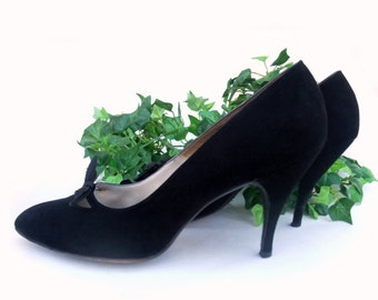 Vintage Shoes 1950s Black Suede Shoes Bow Pumps High Spike Heel Shoes Vamp Cutout Rockabilly Shoes