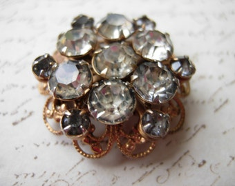 vintage beautiful rhinestone brooch